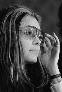 220px-Gloria_Steinem_at_news_conference,_Women's_Action_Alliance,_January_12,_1972 wikipedia