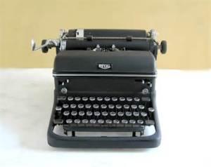 Manual Typewriter www.etsy.com 1