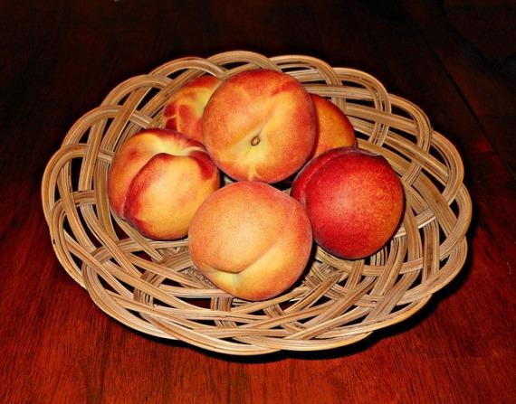 peaches-71186_640