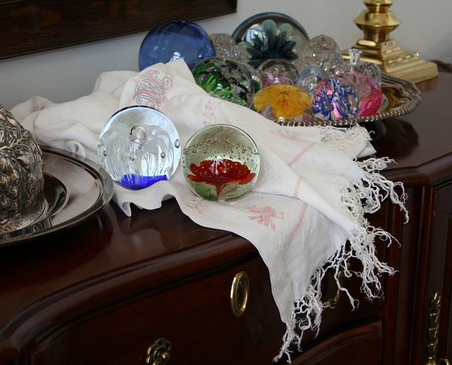 paperweights-22393_640