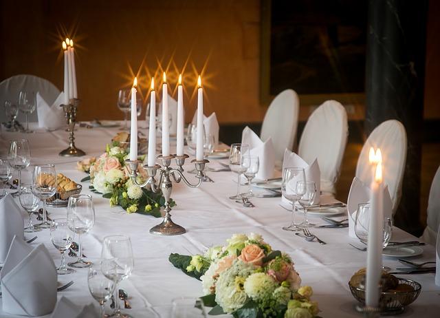 dining-room-1787939_640