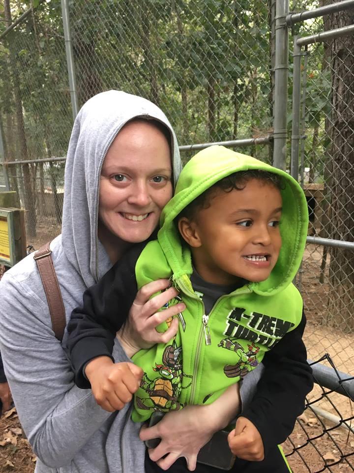 Phoenix K Field Trip Tigers for Tomorrow 2018.jpg with Mom